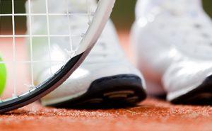 Tennis, giocare su campi di calcetto aumenta il rischio di traumi