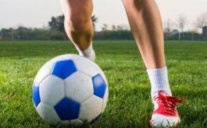 Donne venete e calcio: dopo i 55 anni, una passione che aumenta il rischio di artrosi del ginocchio