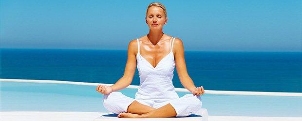 Osteoporosi, meno rischi per chi pratica lo yoga